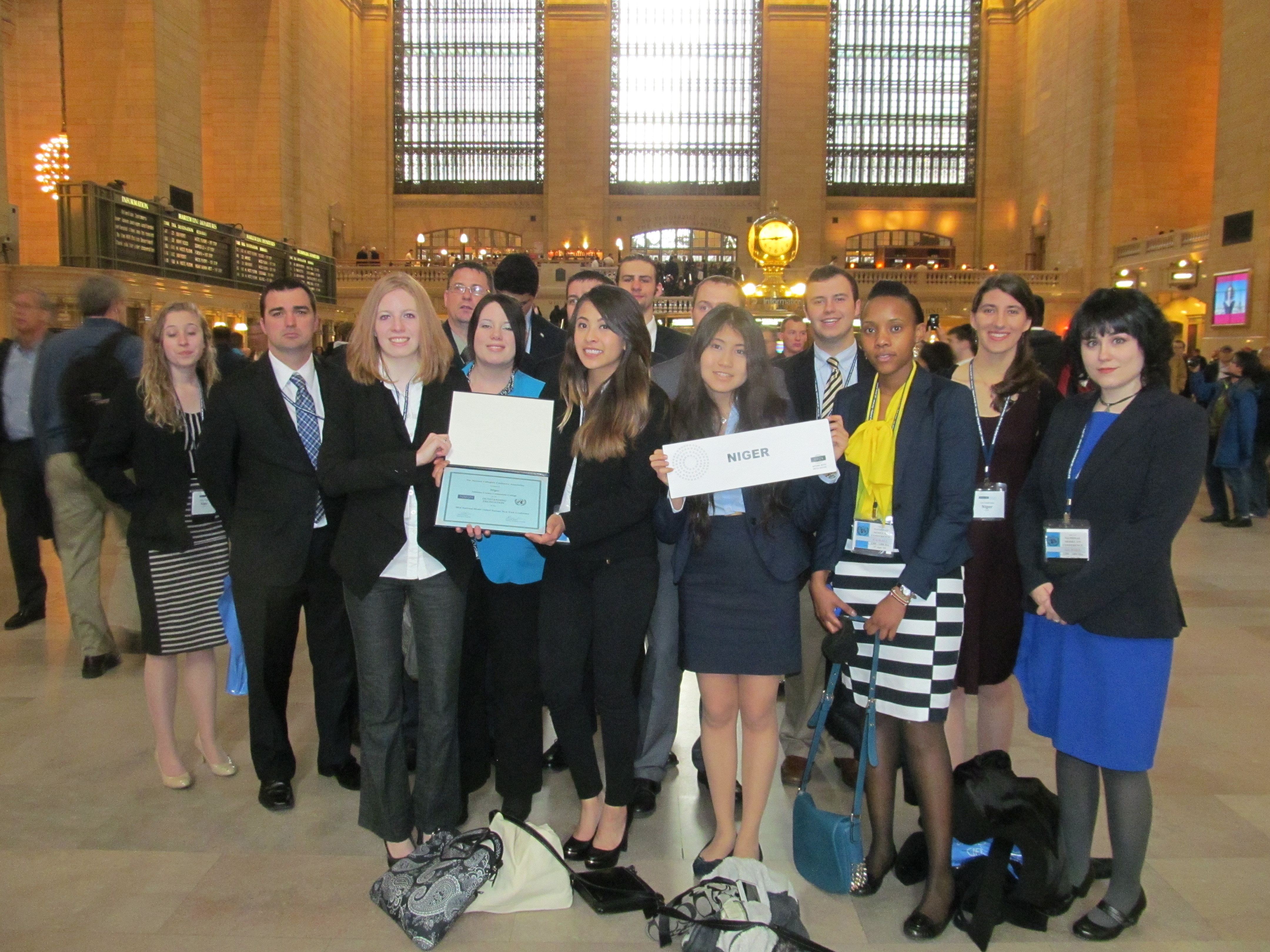 how to join model un