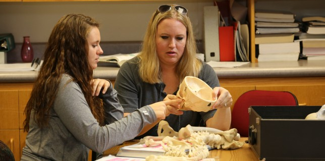 The purpose of the Science Resource Center (SRC) is to provide life science and physical science students the opportunity for independent study. Free tutoring in anatomy, biology, chemistry, geology and physics is available to all students.